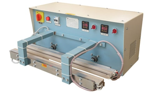 Liquid-Pouch-Sealing-Machine